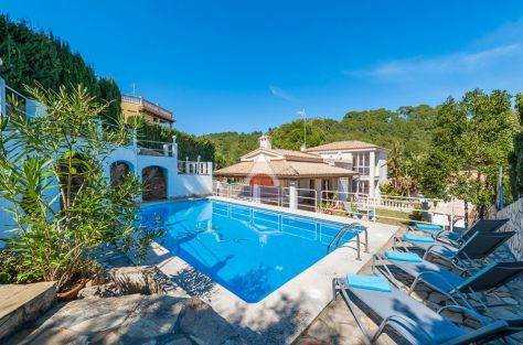 ea_C_083_Comfort_Estate_Agents_Villa_in_Alcanada_w